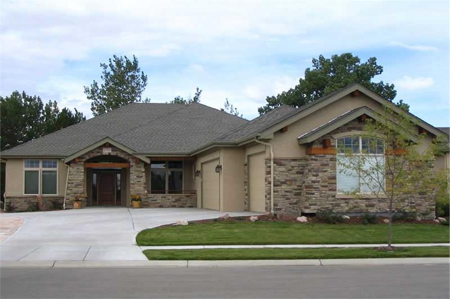3-Bedroom, 2635 Sq Ft Craftsman House Plan - 161-1019 - Front Exterior