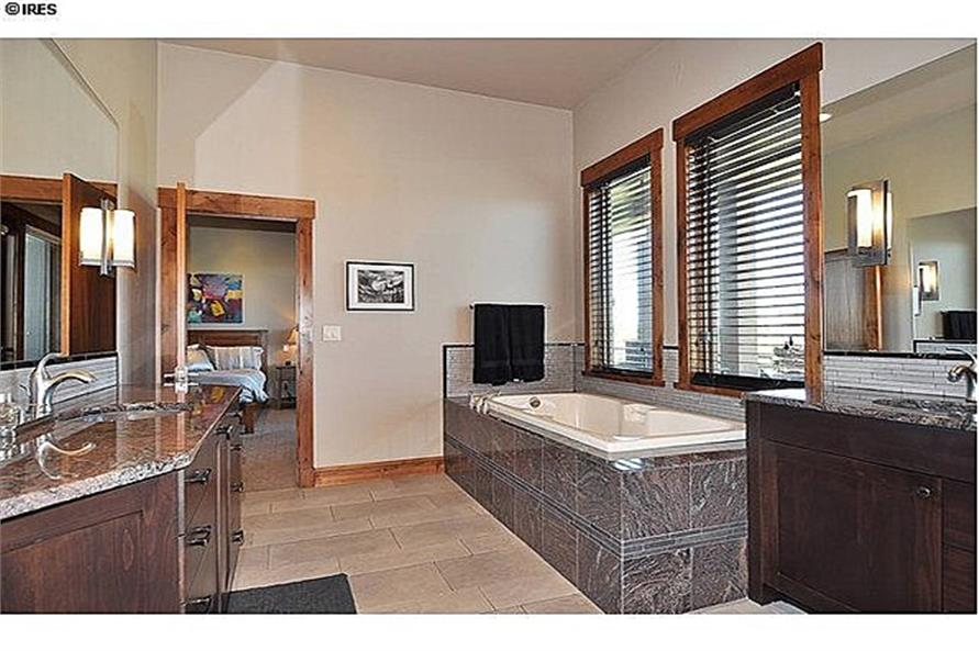 161-1058: Home Interior Photograph-Master Bathroom