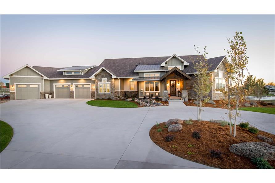 2-4 Bedroom, 2611 Sq Ft Country Home Plan - 161-1072 - Main Exterior