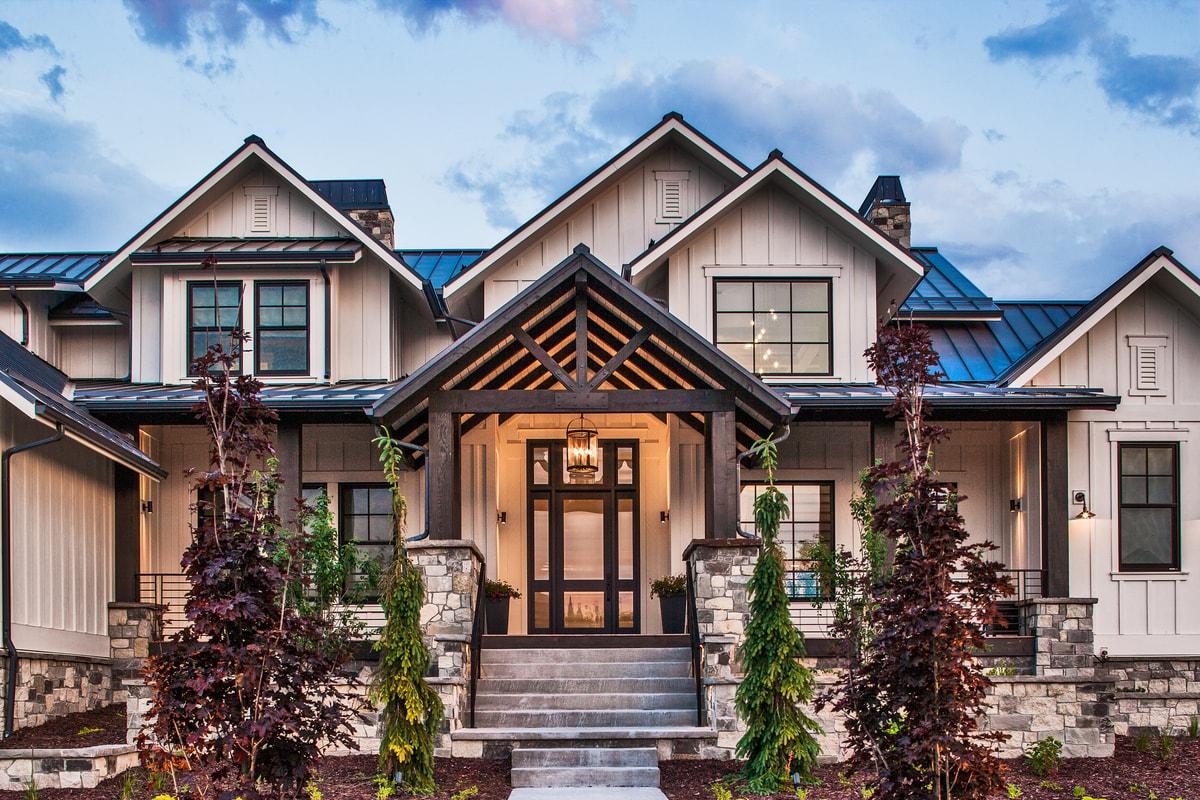 5 Bedrm, 4784 Sq Ft Luxury House Plan #161-1075