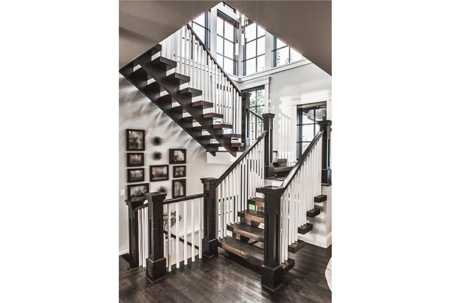 161-1077: Home Plan Rendering-Entry Hall: Staircase