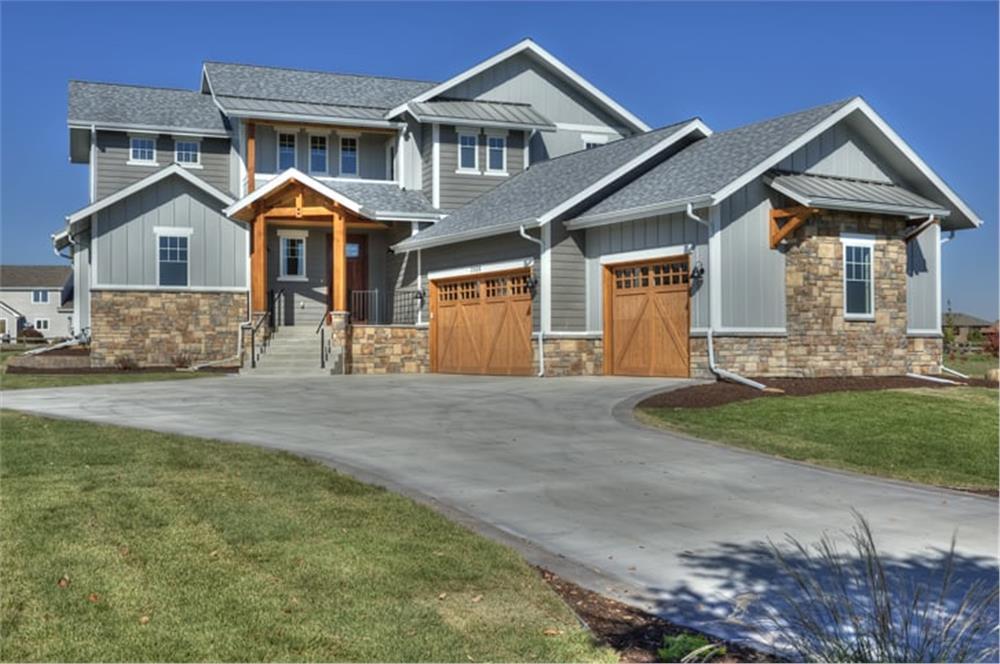 Farmhouse style home (ThePlanCollection: Plan #161-1109)