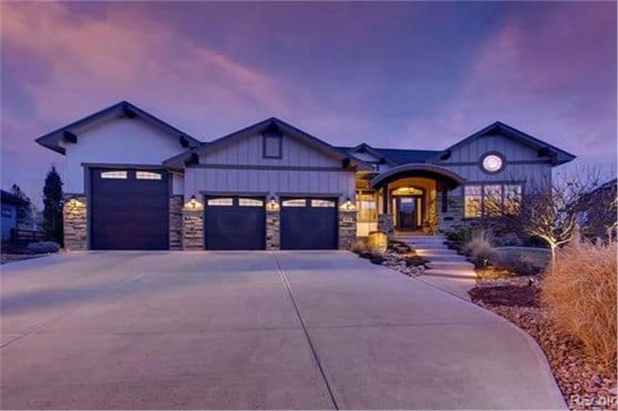 Home at Night of this 2-Bedroom,2594 Sq Ft Plan -2594