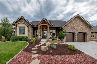 2-Bedroom, 2861 Sq Ft Ranch House Plan - 161-1127 - Front Exterior
