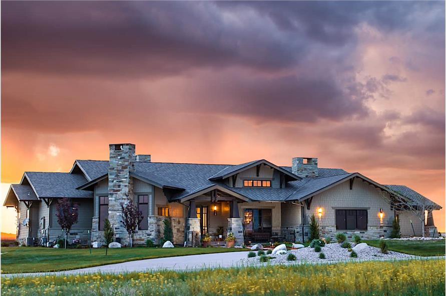 2-Bedroom, 3071 Sq Ft Luxury House - Plan #161-1139 - Front Exterior