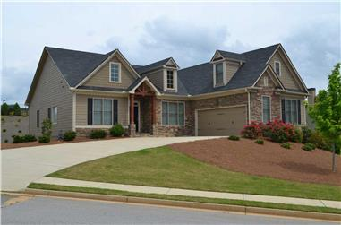 3-Bedroom, 2201 Sq Ft Ranch House Plan - 163-1049 - Front Exterior