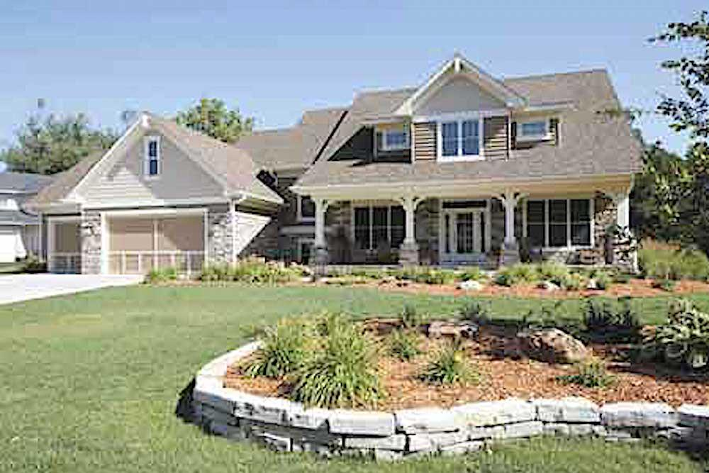 Country style home (ThePlanCollection: Plan #165-1094)