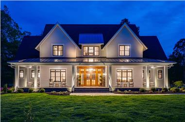 4-Bedroom, 3952 Sq Ft Farmhouse House Plan - 165-1175 - Front Exterior
