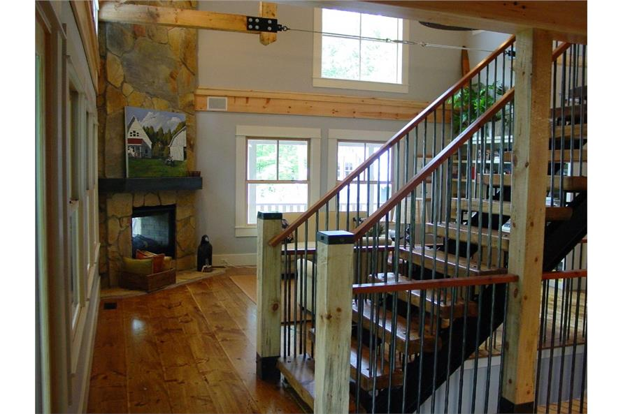 168-1044 house plan stair case