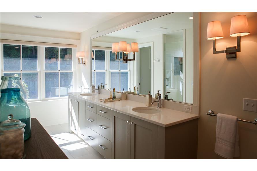 168-1128: Home Interior Photograph-Master Bathroom