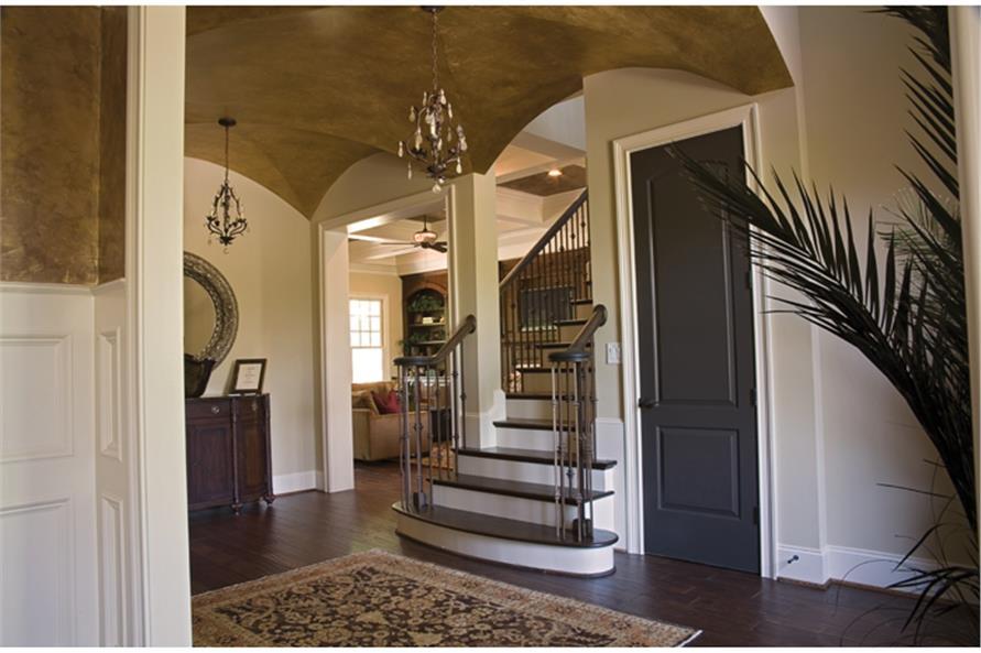 180-1022: Home Interior Photograph-Entry Hall: Foyer