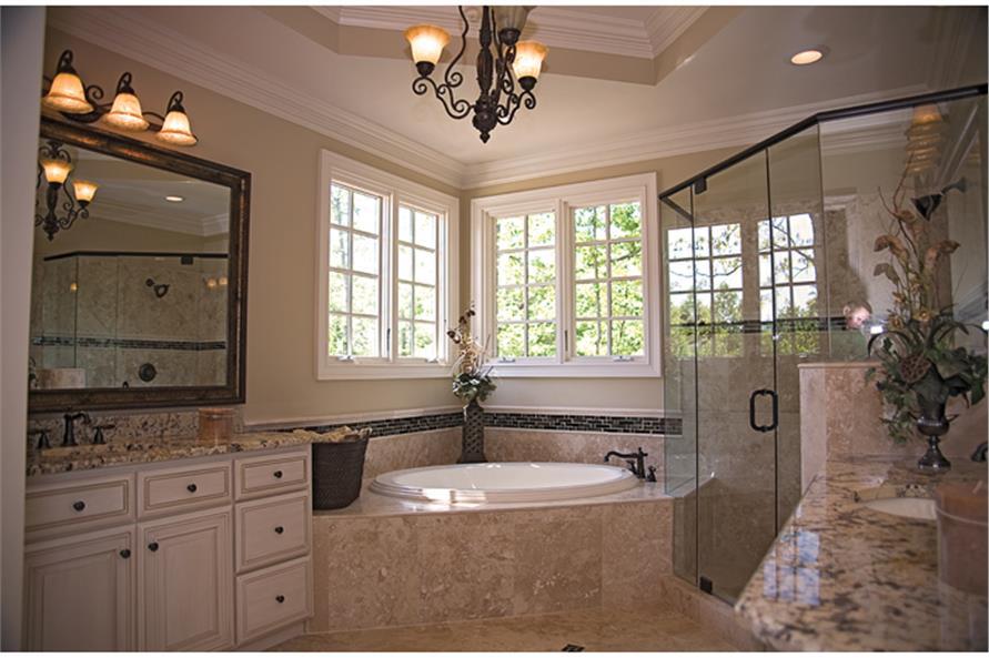 180-1022: Home Interior Photograph-Master Bathroom