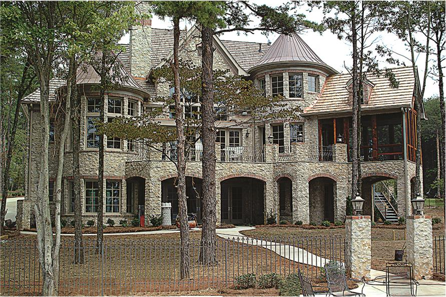 180-1025: Home Exterior Photograph-Rear View - Close