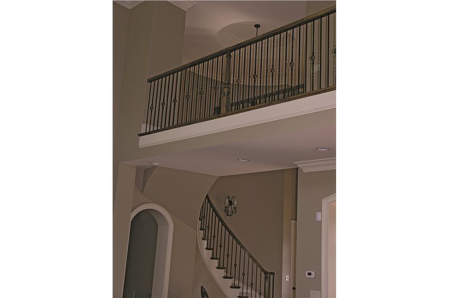 180-1025: Home Interior Photograph-Entry Hall: Foyer