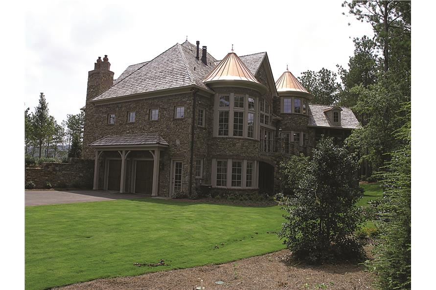 180-1025: Home Exterior Photograph-Rear View
