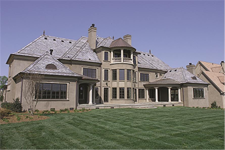 180-1033: Home Exterior Photograph
