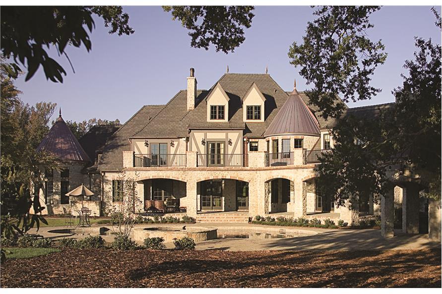 180-1034: Home Exterior Photograph-Rear View