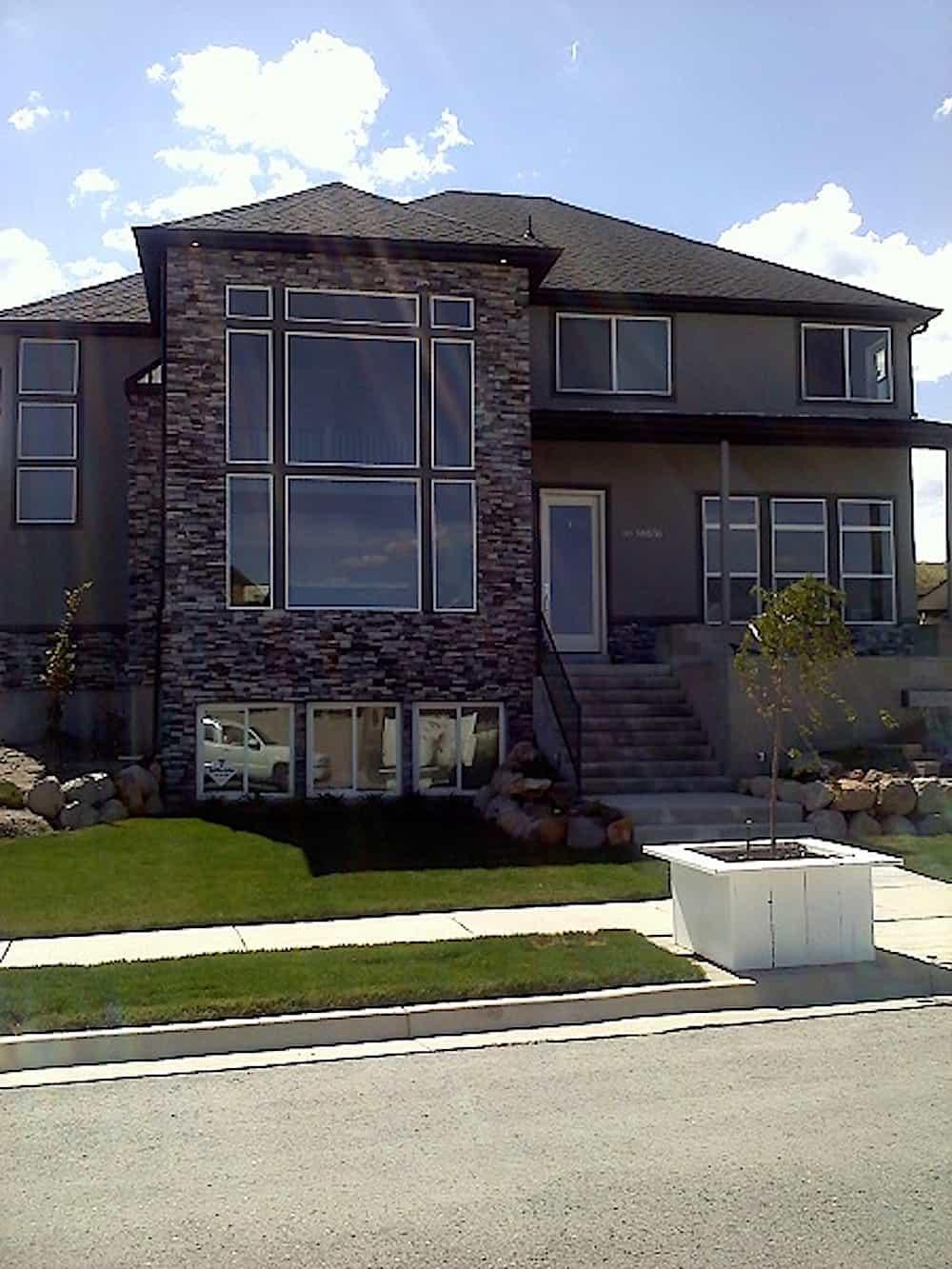 Contemporary home (ThePlanCollection: Plan #187-1005)