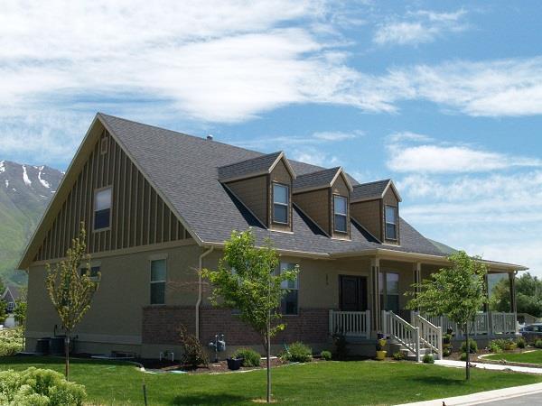 187-1006: Home Exterior Photograph