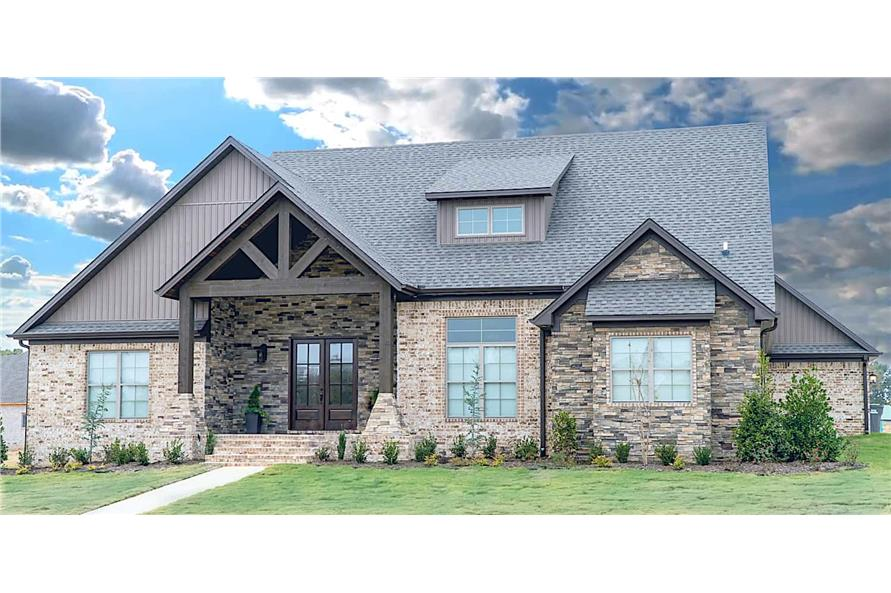 5-Bedroom, 2513 Sq Ft Rustic House - Plan #193-1029 - Front Exterior