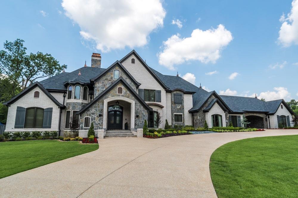 Luxury home (ThePlanCollection: #193-1125)