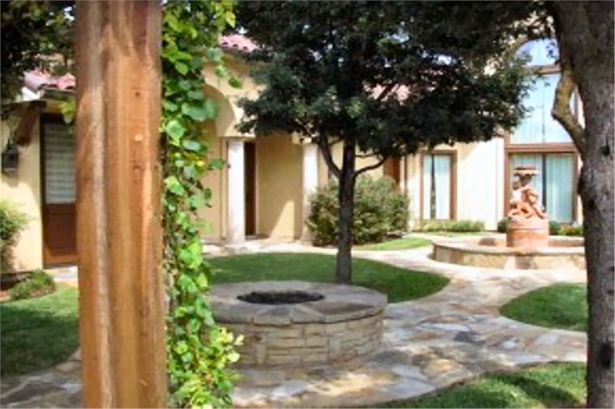 Landscaping: Garden of this 4-Bedroom,8647 Sq Ft Plan -8647