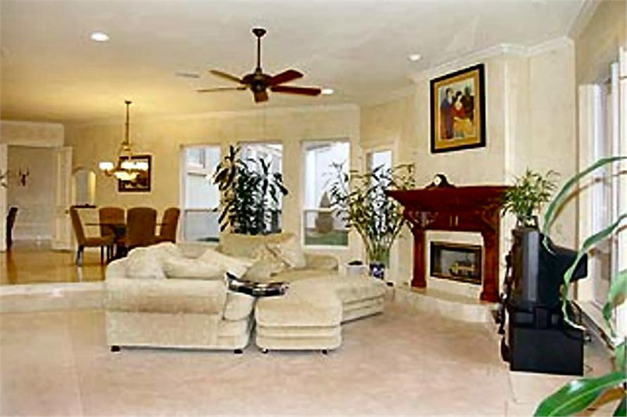 195-1184: Home Interior Photograph-Family Room