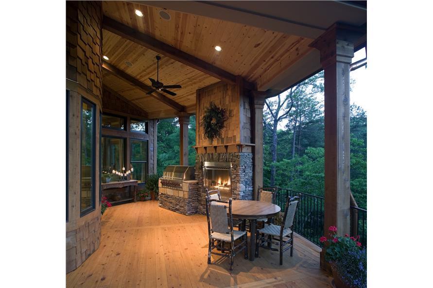 198-1010: Home Exterior Photograph-Deck