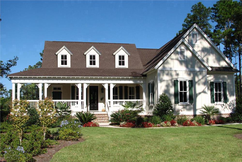 Ranch Farmhouse home (ThePlanCollection: Plan #198-1024)