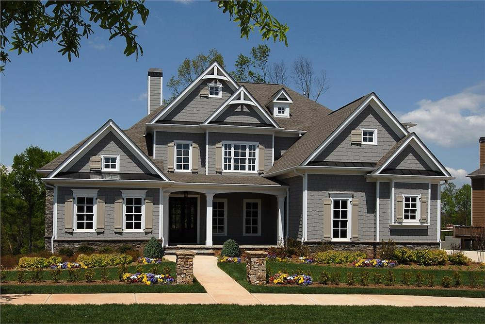 Front elevation of Traditional home (ThePlanCollection: House Plan #198-1089)