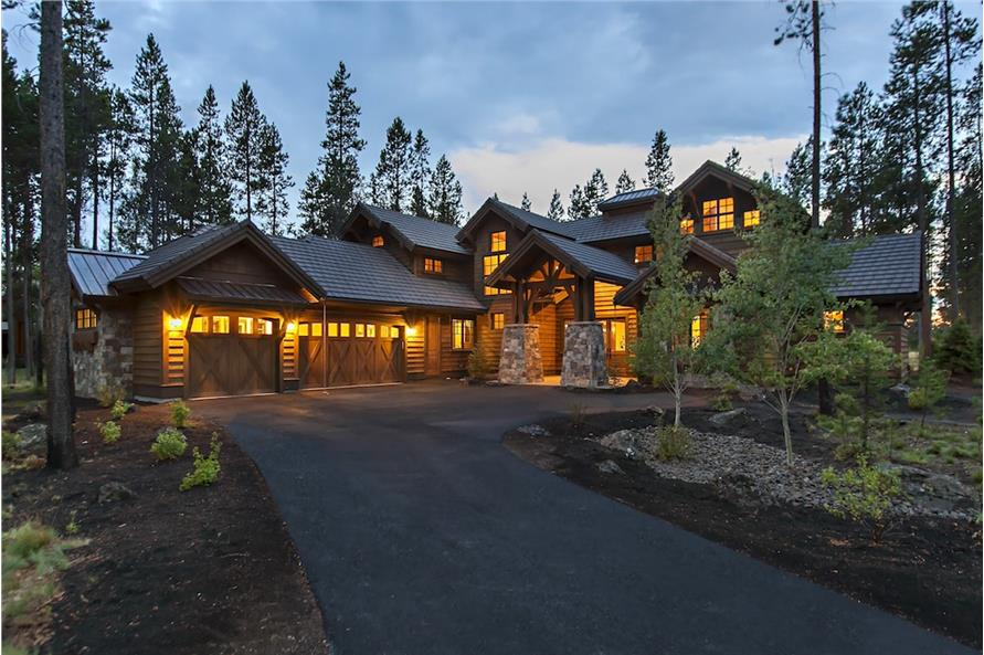 Home at Night of this 4-Bedroom,4268 Sq Ft Plan -4268
