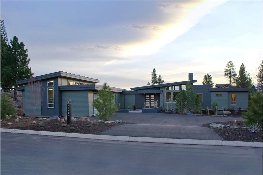 3-Bedroom, 3247 Sq Ft Modern House - Plan #202-1020 - Front Exterior