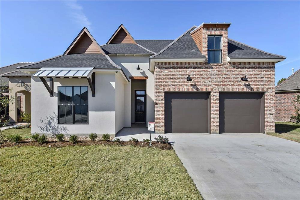 Contemporary home (ThePlanCollection: House Plan #204-1008)