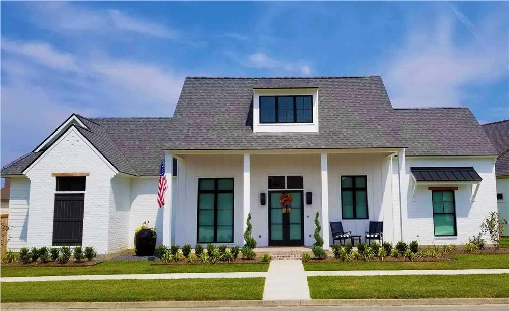 Contemporary home (ThePlanCollection: Plan #204-1009)