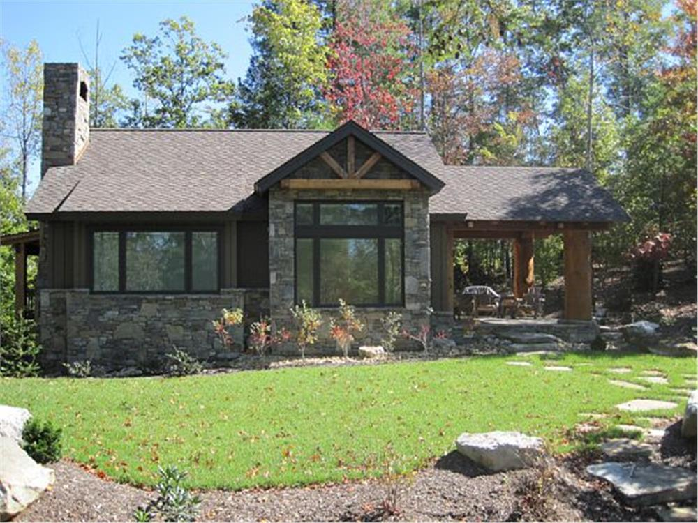 Rustic Cottage home (ThePlanCollection: Plan #205-1003)