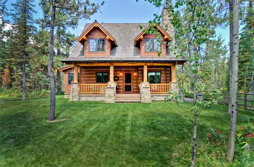 Log Cabin home (ThePlanCollection: Plan #205-1018)