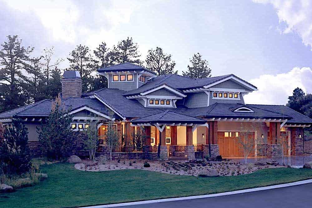 Prairie home (ThePlanCollection: Plan #205-1019)