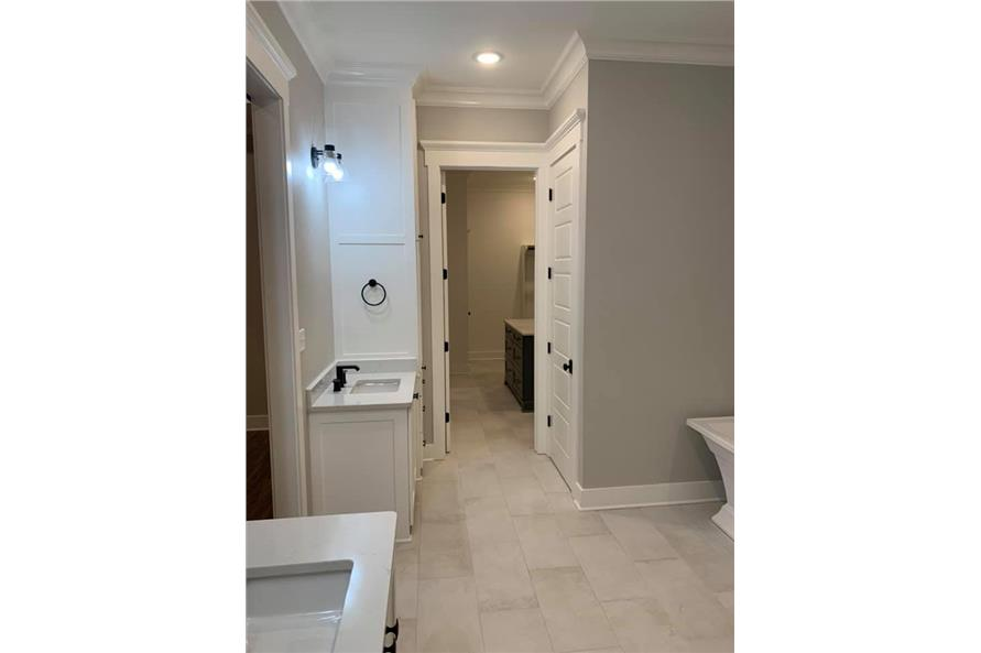 Master Bathroom of this 3-Bedroom,2535 Sq Ft Plan -206-1007