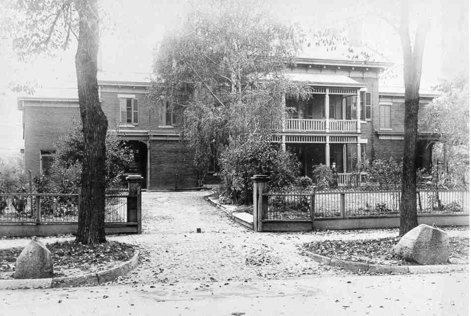 Bradley Mansion