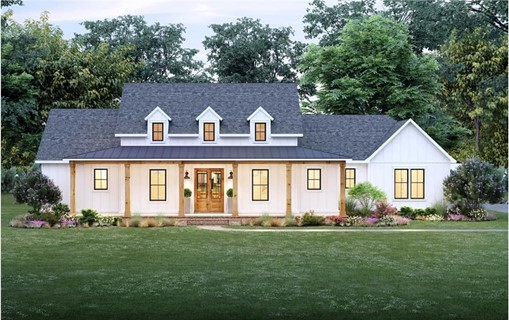 Country Ranch style home with 6 natural wood porch posts