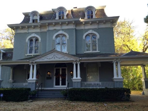 Pettingill-Morron mansion as it looks today in Peoria, IL