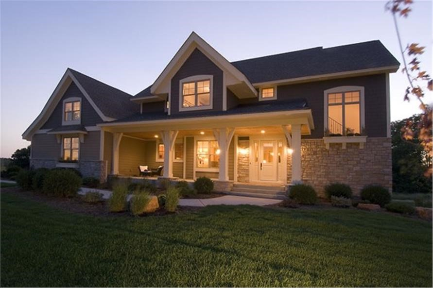 4-bedroom Craftsman style home with wide front porch