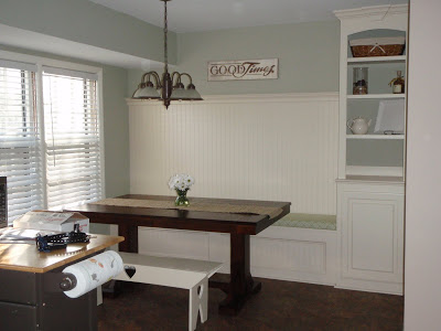 Built-in kitchen dining bench