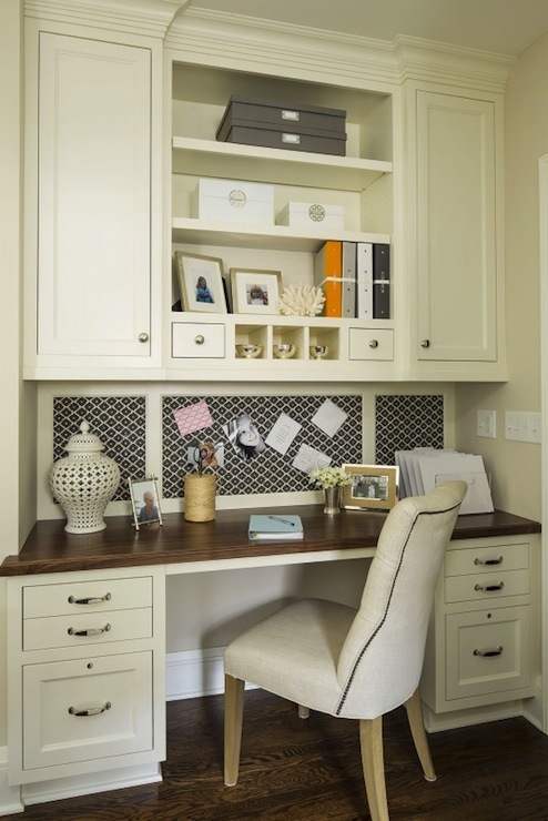 Built-in desk area in a kitchen