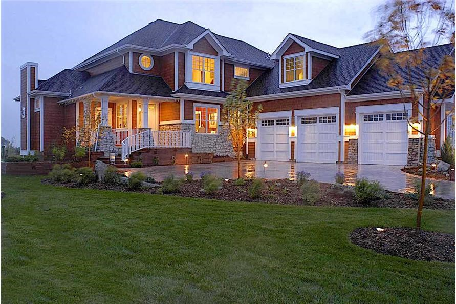 Luxury Shingle style home with 5023 sq. ft. in two stories