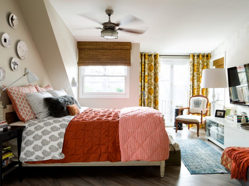 Gold-and-orange-decorated bedroom  just right for autumn