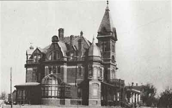 Joseph Greenhut mansion in Peoria, IL, in 1884