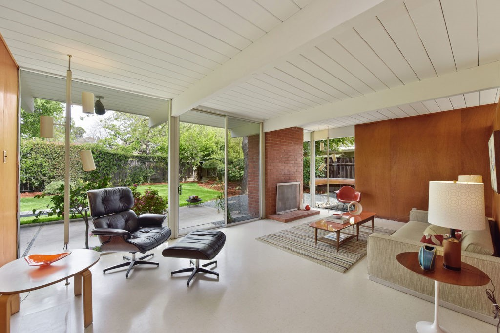 Inside an Eichler home in Rancho San Miguel, CA