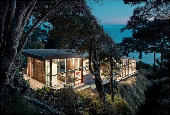 Fall House  a 3-bedroom residence on a triangular 1.5-acre site in Big Sur