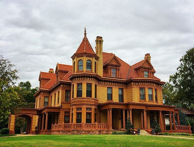 Overholser Mansion, first mansion in Oklahoma City, built in 1903 for Henry Overholser